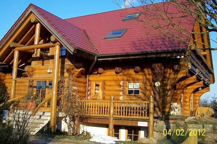 Kanadisches Holzblockhaus  - Großerlach - Hus