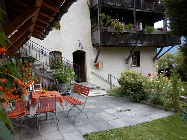 Charming traditional apartment - Zeneggen - Leilighet