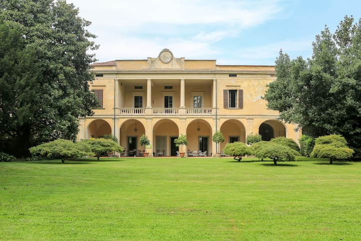 Villa Longo: peacefulness and charm - Faverzano - 別荘