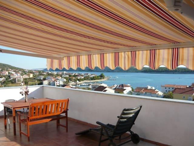 Rab **** apartamento 250 m del mar - Barbat - Departamento