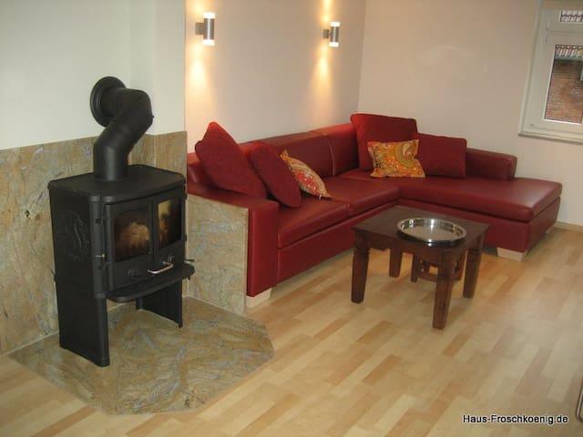 Haus Froschkönig - 5 Sterne-Fewo - Marienmünster - Casa