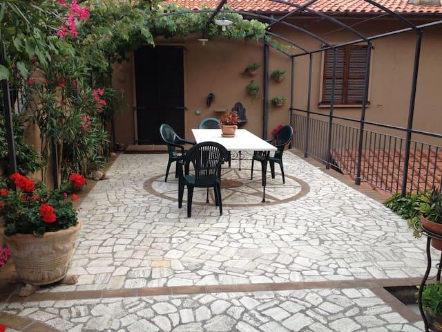 Cesalegreenways Bed&Rooms Umbria - Stroncone - Hus