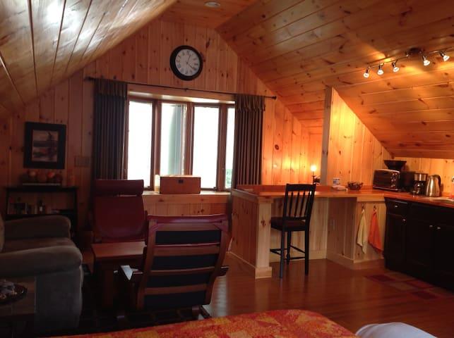 Saco Studio: Retreat by the Ocean - Saco - Huis