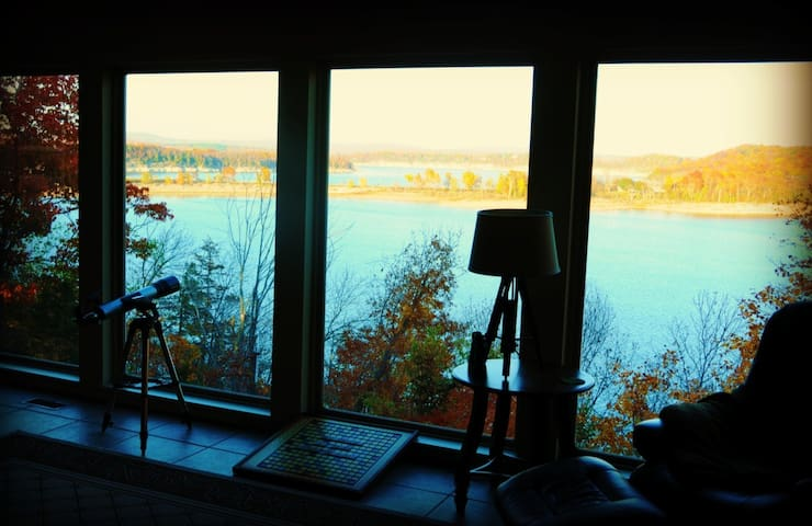 Amazing year-round lakeview retreat - 羅傑斯(Rogers) - 獨棟