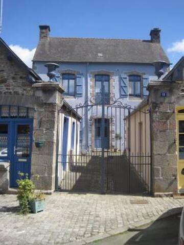 Chez Mam'Gozh - Bazouges-la-Pérouse - Oda + Kahvaltı