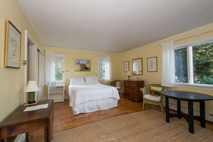 Tranquil Haven on Slocum river - Dartmouth - Huis