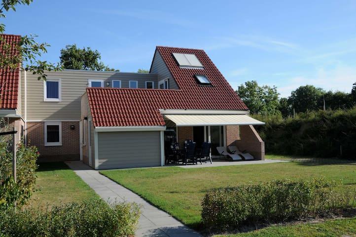 Luxury 8P villa in great holidaypark - Kortgene - Villa
