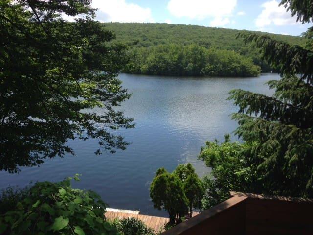 Lake Front Hideaway - West Milford - Casa