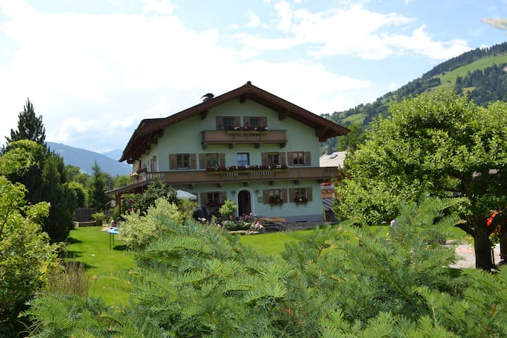 Stylish 3 Bedroom Apartment - Brixen im Thale - Apartmen