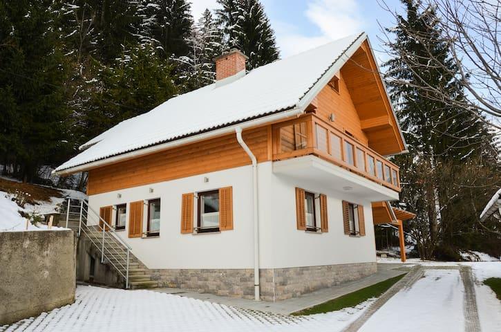 Cottage House Jakob 1045m - Ambrož pod Krvavcem - Huis