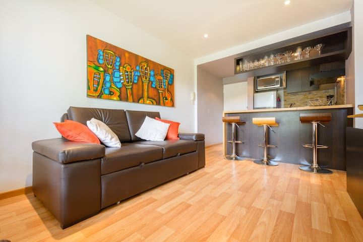 Cozy and Modern, Great Location - Bogota