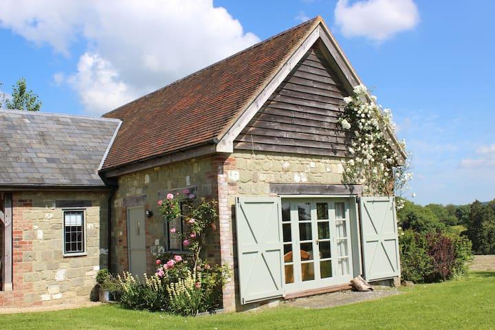 Beautiful country barn/peaceful location - Shaftesbury - Hus