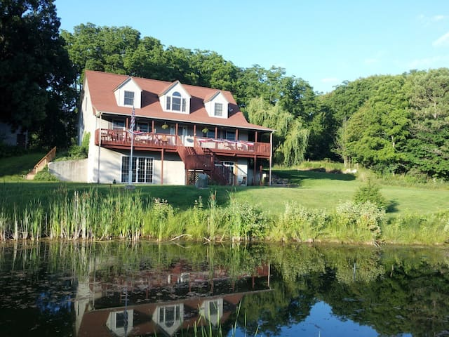 BMI Bed & Breakfast (Library Room) - Richland - Bed & Breakfast