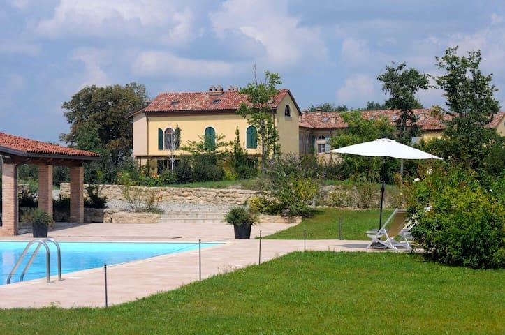 Monferrato: Apartment in farmhouse - Grazzano Badoglio - Daire