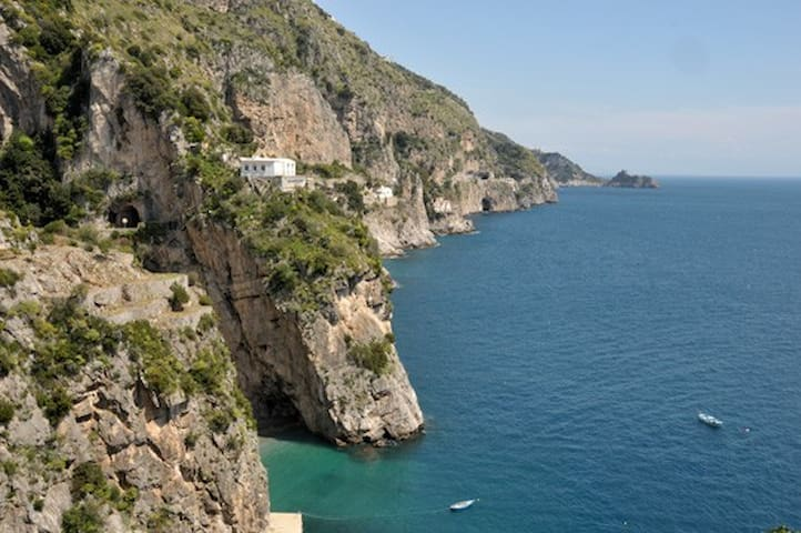 Overlooking the sea,Villa Benedetta - Praiano