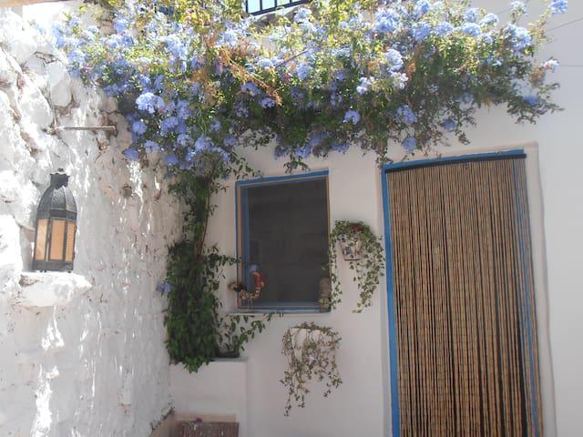 Casita azul   - Darrícal - Дом