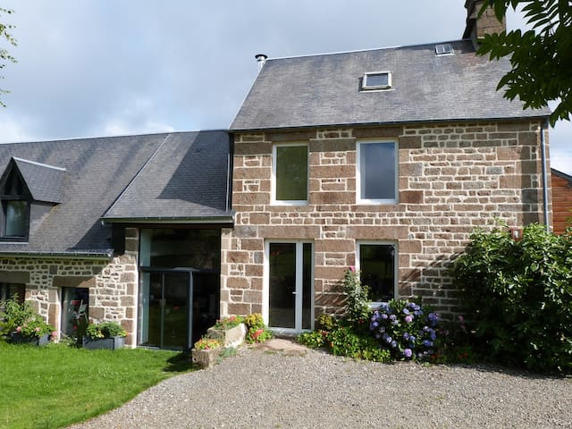 house located in the countryside - Saint-Michel-de-Montjoie - Huis