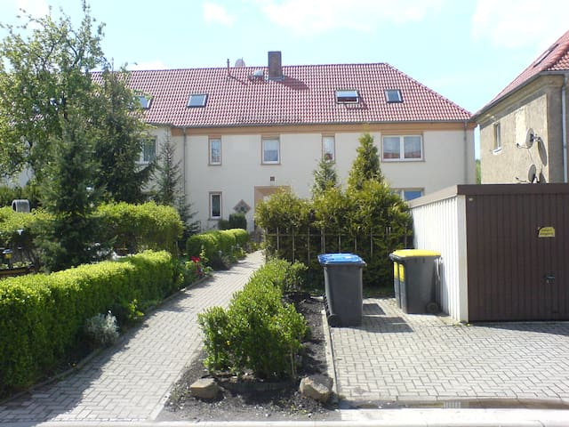 Borna: Ferienwohnung/möbl.  Wohnung - Borna, Leipzig - Lägenhet