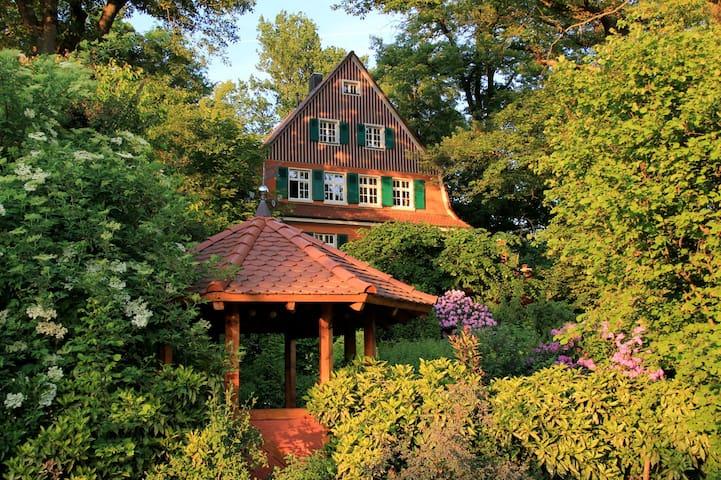 Villa Wanderlust : a National Historic Landmark - Gengenbach - Appartement