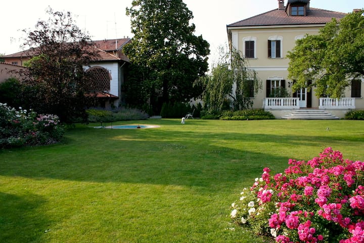 Splendida Villa Umberto - Abbiategrasso - Leilighet