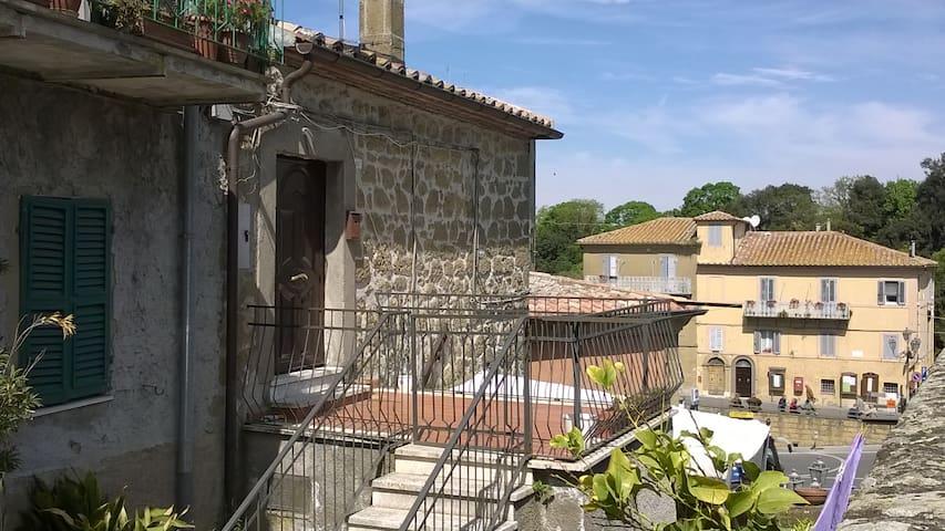 Bilocale panoramico - Farnese - Maison