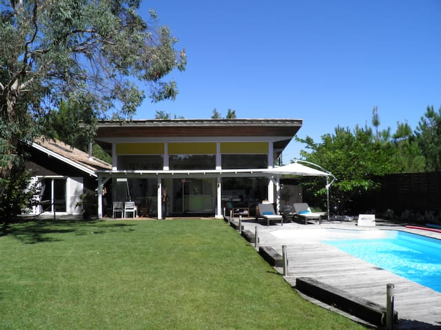 Architect house, Beautiful swimming pool - Le Porge - Dom