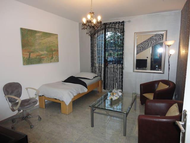 1 Privatzimmer zu vermieten - Garbsen - Bed & Breakfast