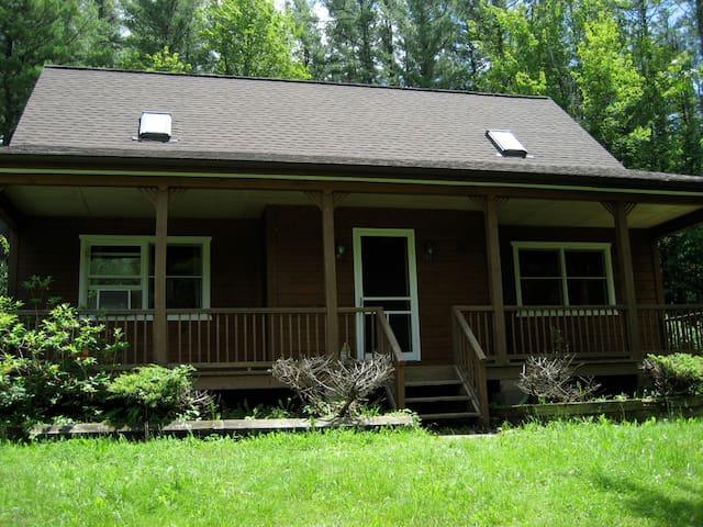 Country Cabin near Ski Windham - Maplecrest - Maison