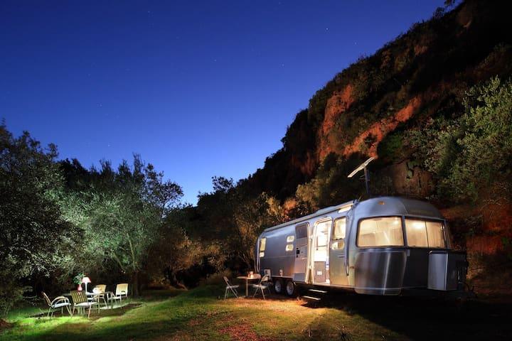 Airstream 'Glamping' in Andalucia!  - Alozaina - Bobil