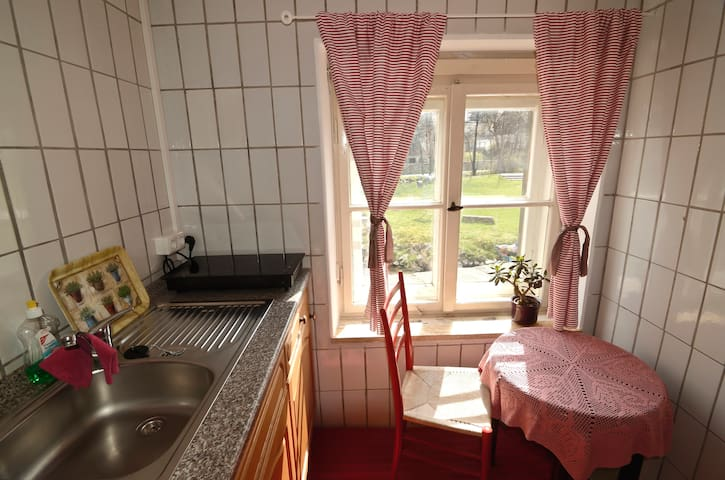Romantisches Appartement am Fluss - Schwarzenbach - Apartamento