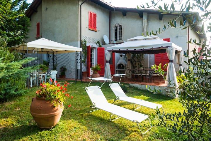 Tuscan countryside at the spa - Lari
