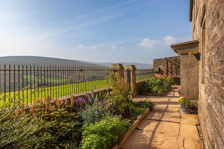 Yorkshire Dales Farmhouse B&B - Pry House Farm - Keld - Bed & Breakfast