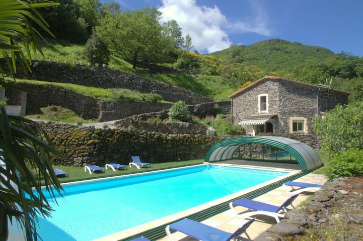 Gîte 2, piscine couverte & chauffée - Rochessauve