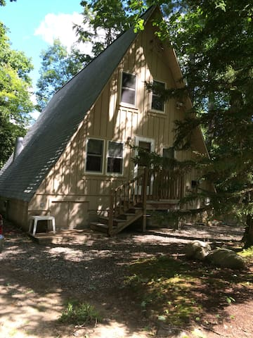 White Mountian A-Frame on Mad River - Thornton - Huis