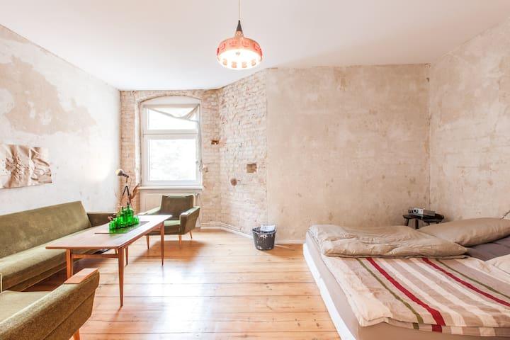 Cool room in creative Kreuzkölln - Berlin - Maison