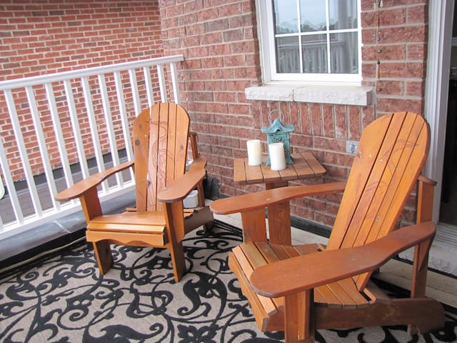 Willow Pond Satellite B&B - Port Perry - Bed & Breakfast