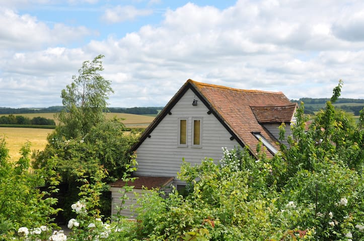 The Old Barn , Organic Residence, Secret Garden - Oxfordshire - Huis