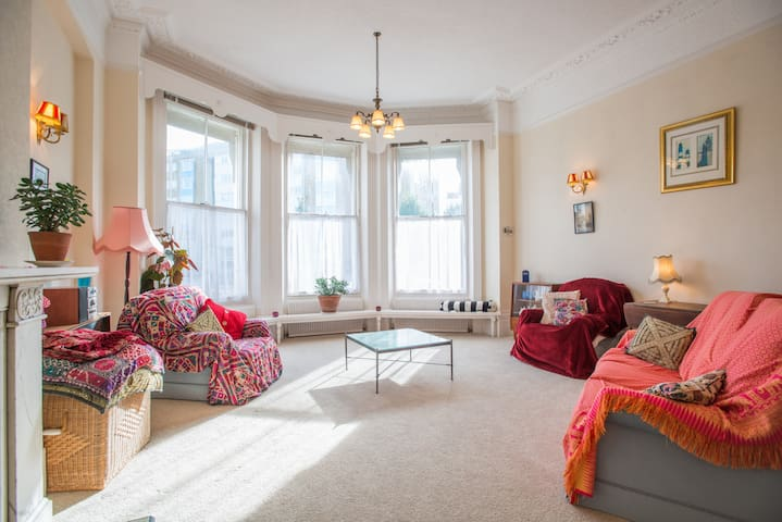 Huge, well located, sunny flat - Eastbourne - 公寓