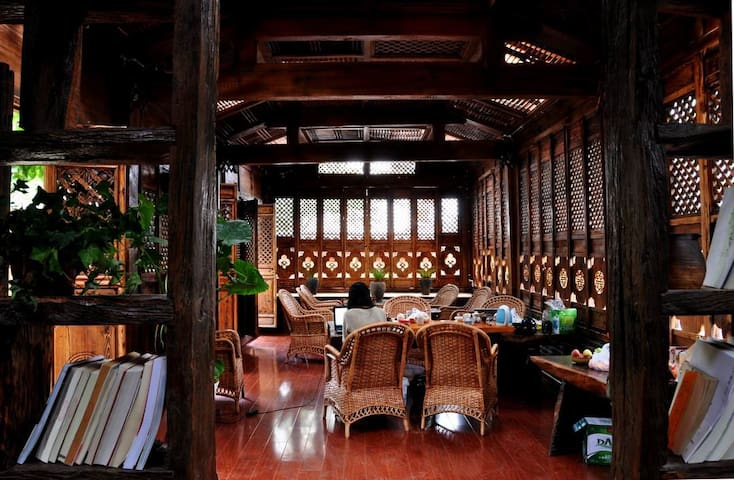 丽江束河茶语屋客栈 阳光温馨双人房 - Lijiang - Casa de campo