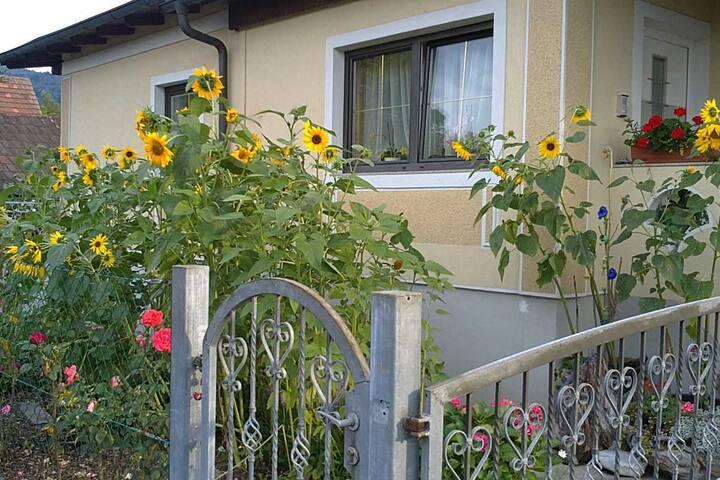 Zimmer mit Küche + eigener Eingang - Judendorf-Straßengel - Maison