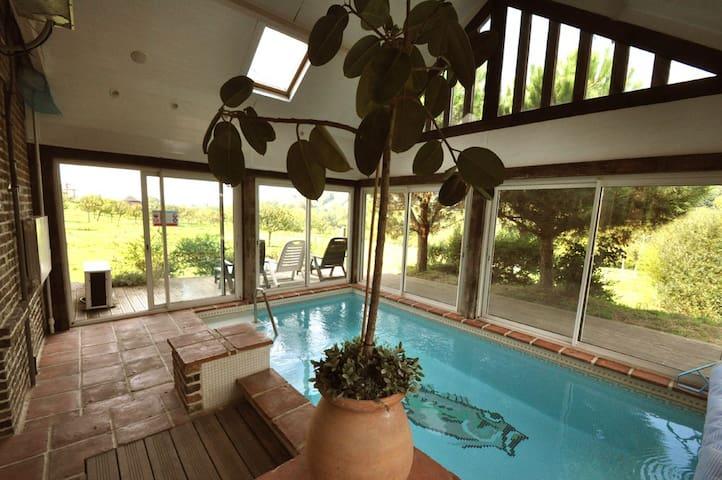 Maison avec piscine couverte 29° - Bonneville-la-Louvet - Villa