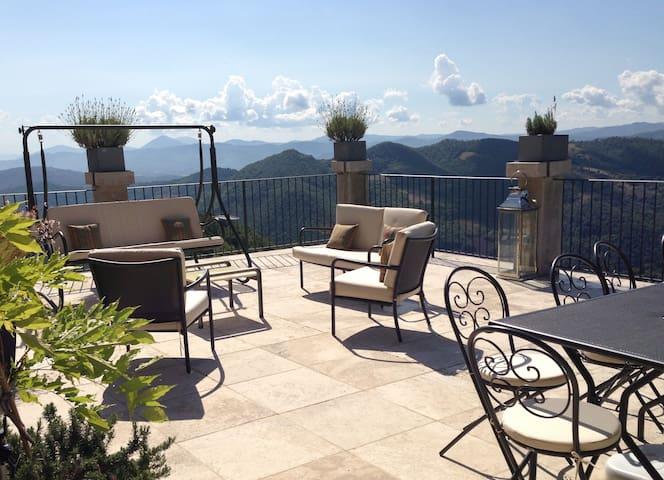 Umbrian Hills: Luxury Medieval Home - Monte Santa Maria Tiberina