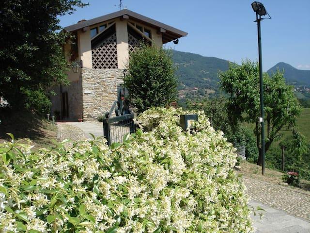 B&B Cascina Valgrande - Palazzago (Bergamo) -Italy - Palazzago - Bed & Breakfast