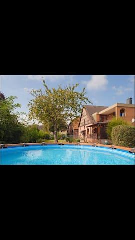 Uriges Gästehaus auf dem Bauernhof3 - Emmerthal - Maison