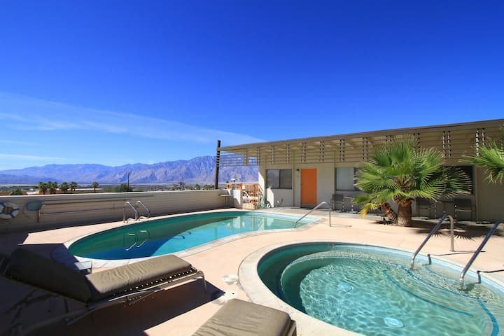1960s California Desert/Spa Getaway - Desert Hot Springs - Apto. en complejo residencial