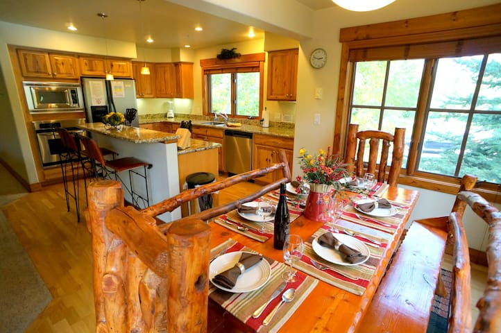 Rustic yet modern condo in the Boat - Steamboat Springs - Apartamento