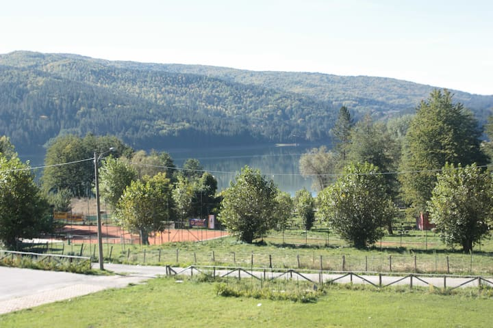 Cosy flat with lake view in Lorica - Lorica - Appartement
