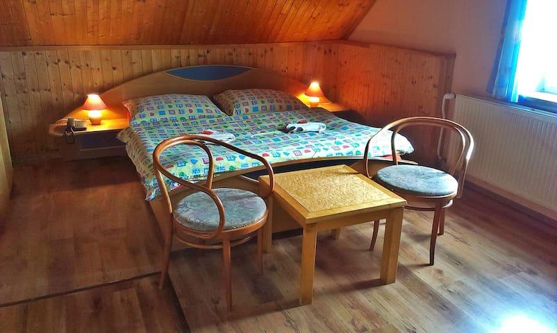 Cosy room - Větrný vrch - Ostrov - Bed & Breakfast