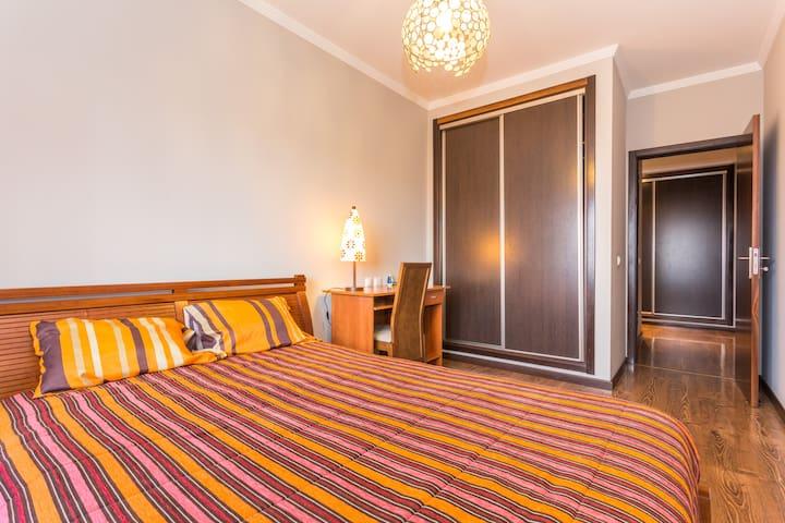 With breakfast VIP double bedroom - Faro - Apartamento