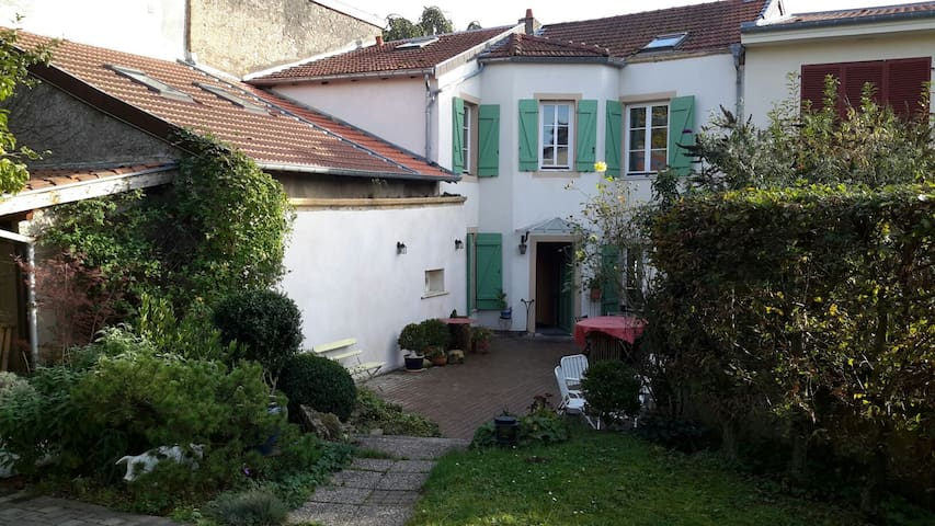 Jolie Chambre individuelle au calme - Sainte-Ruffine - Casa